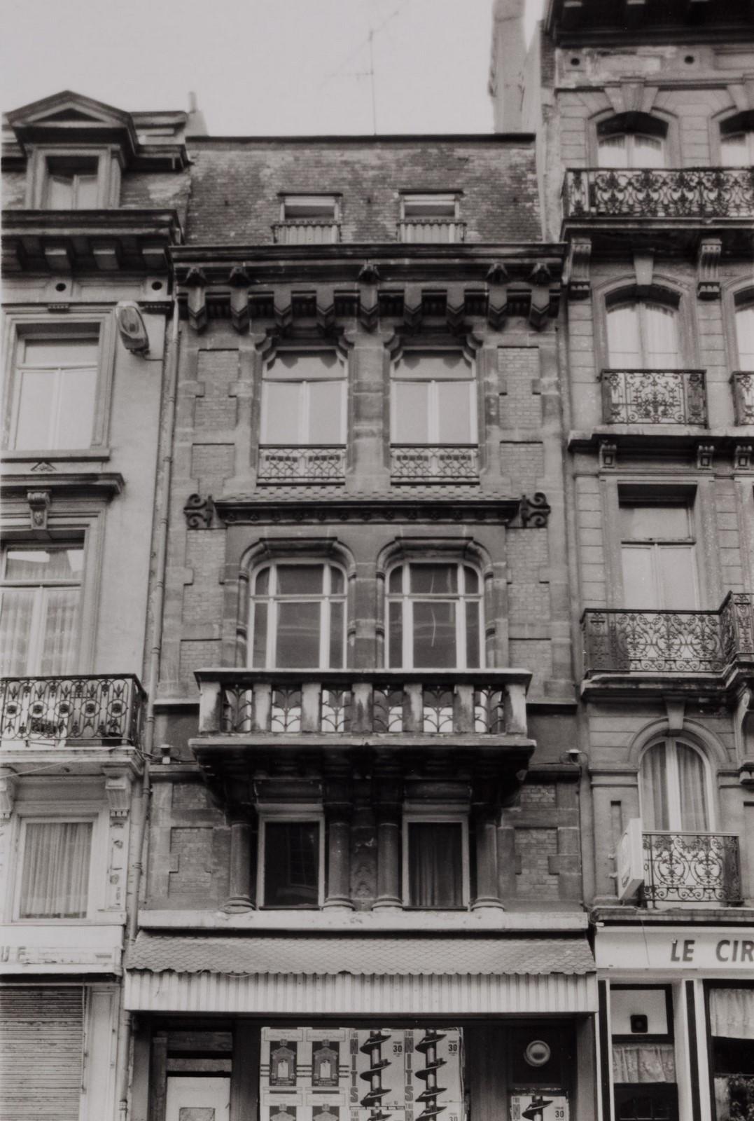 rue de l'Enseignement 120-122., 1990