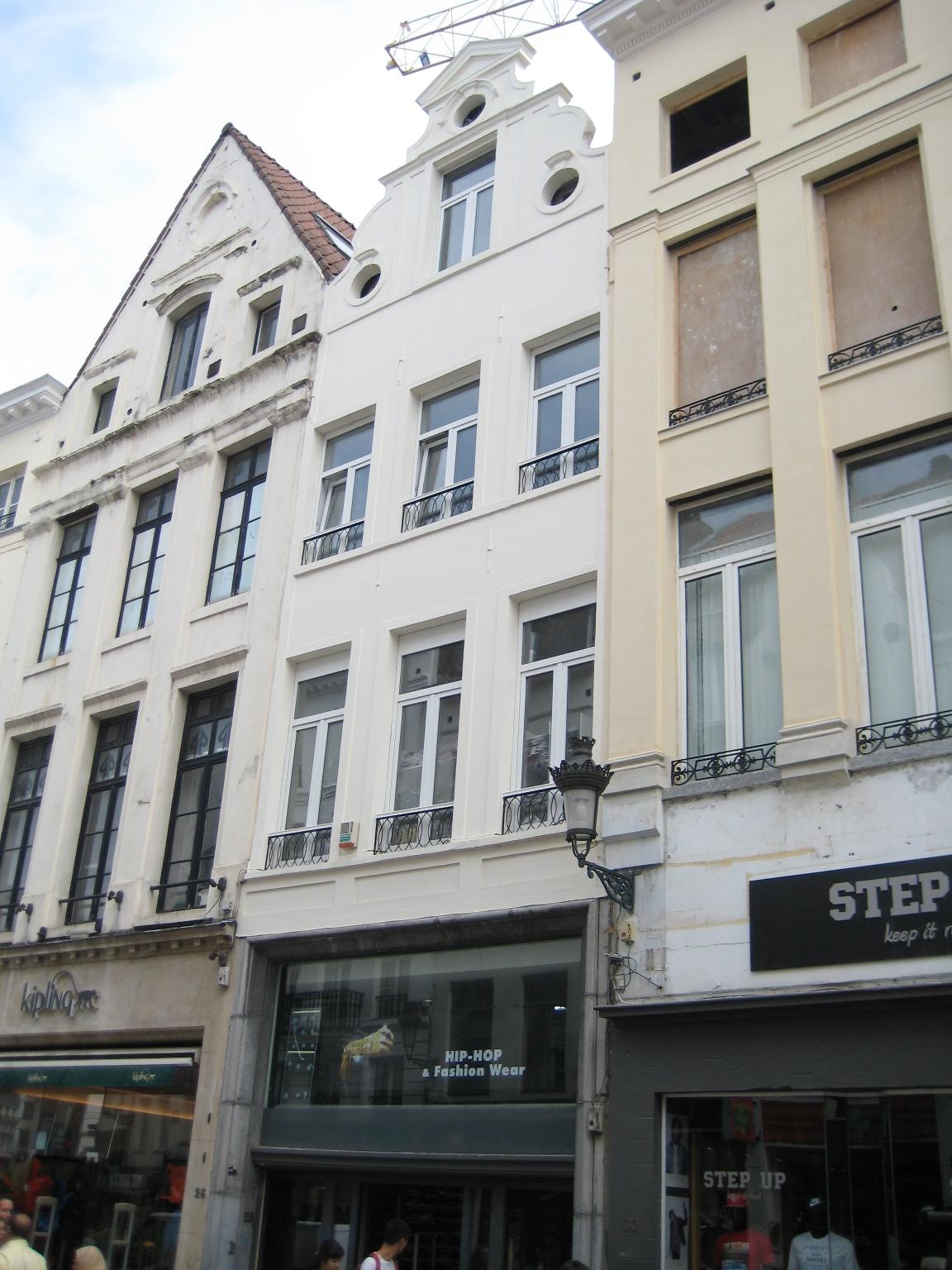 Rue du Marché aux Herbes 28, 2015