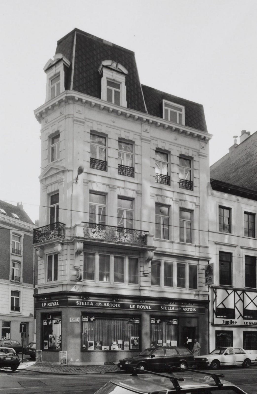 rue Royale 137-139, angle rue  de l'Association 1., 1990