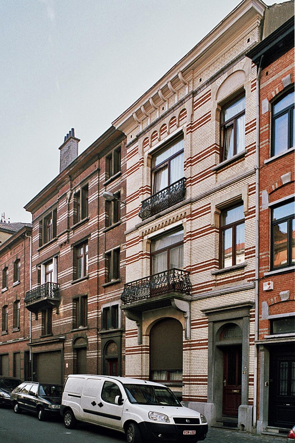 Rue des Guildes 25-27 et 23., 2009