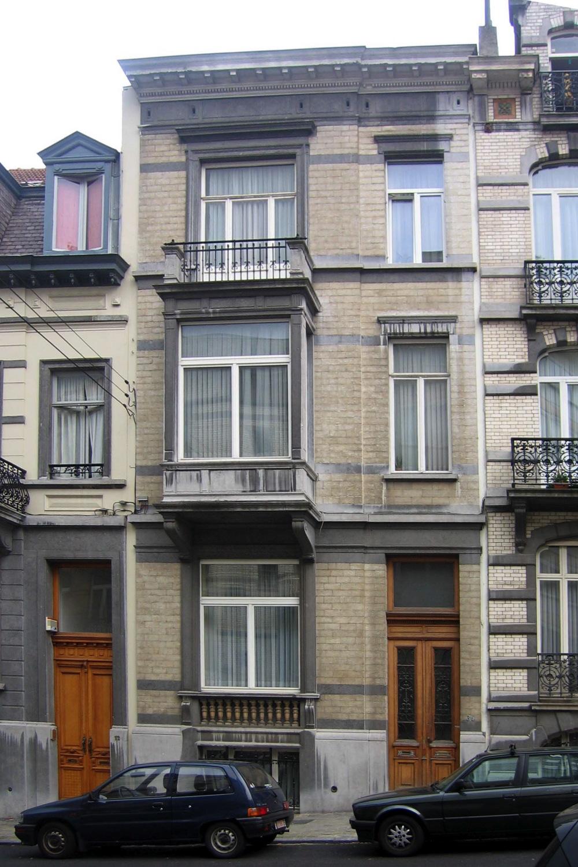 Rue Vilain XIIII 34., 2005