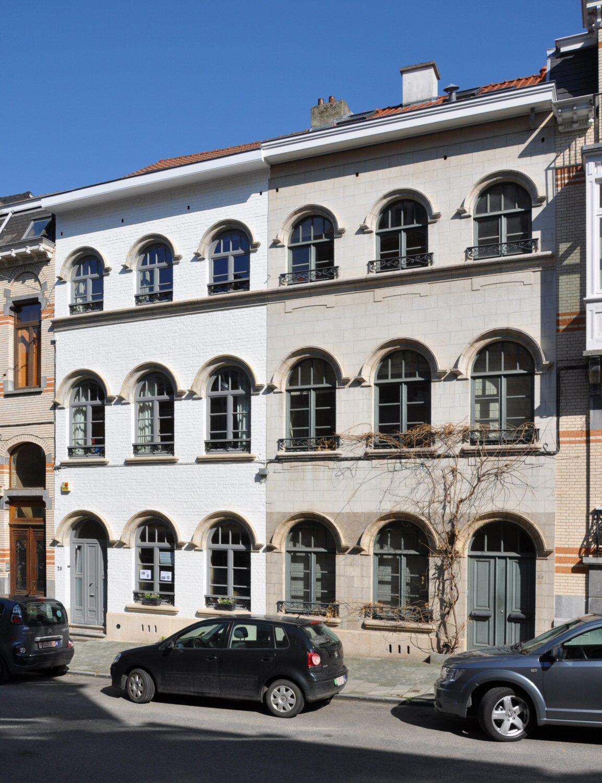 Rue Léon Frédéric 28, 30, 2011