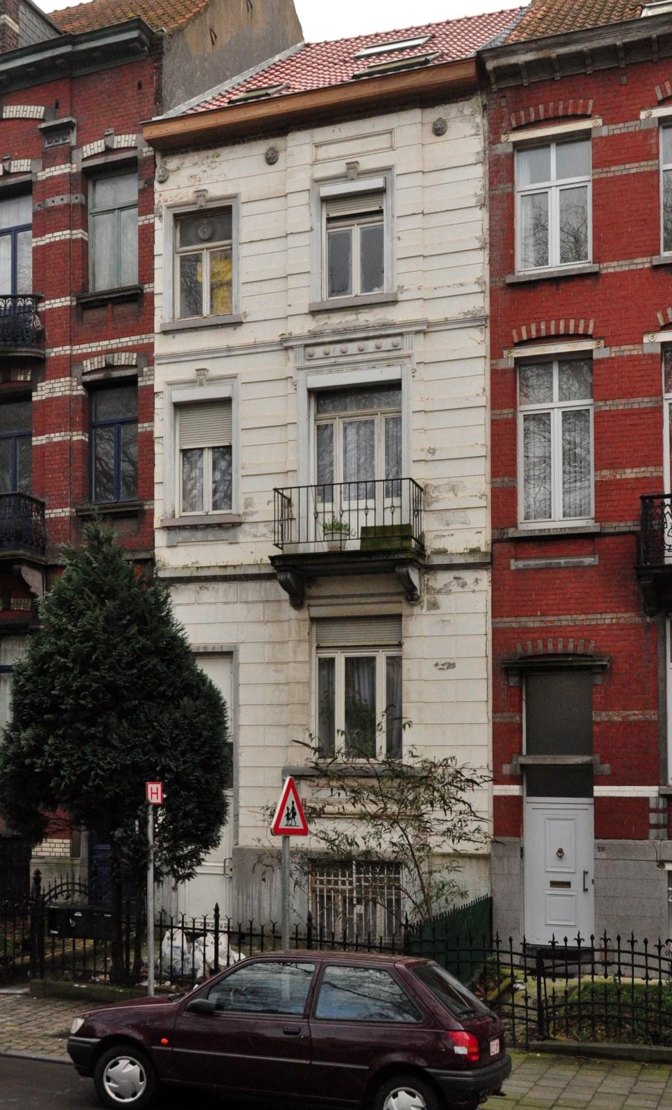 Avenue Voltaire 27, 2013