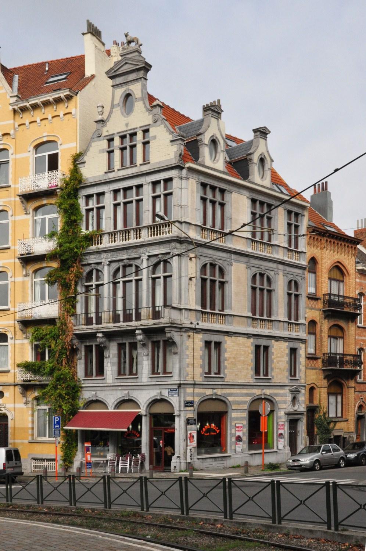 Place des Bienfaiteurs 25 - rue Frans Binjé 1, 2011