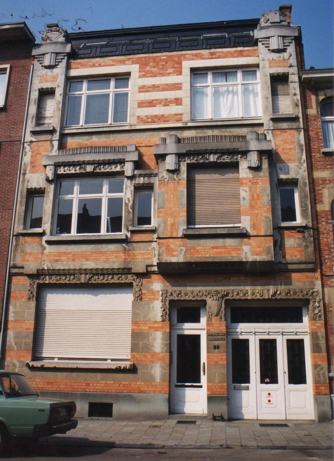Rue Baron de Castro 33-35, maison personelle de l'arch. Armand de Saulnier., 1994