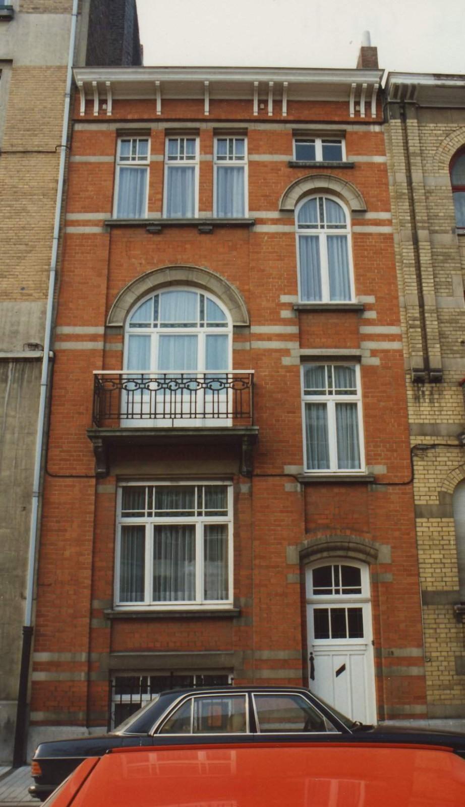 Rue Charles De Groux 98., 1994