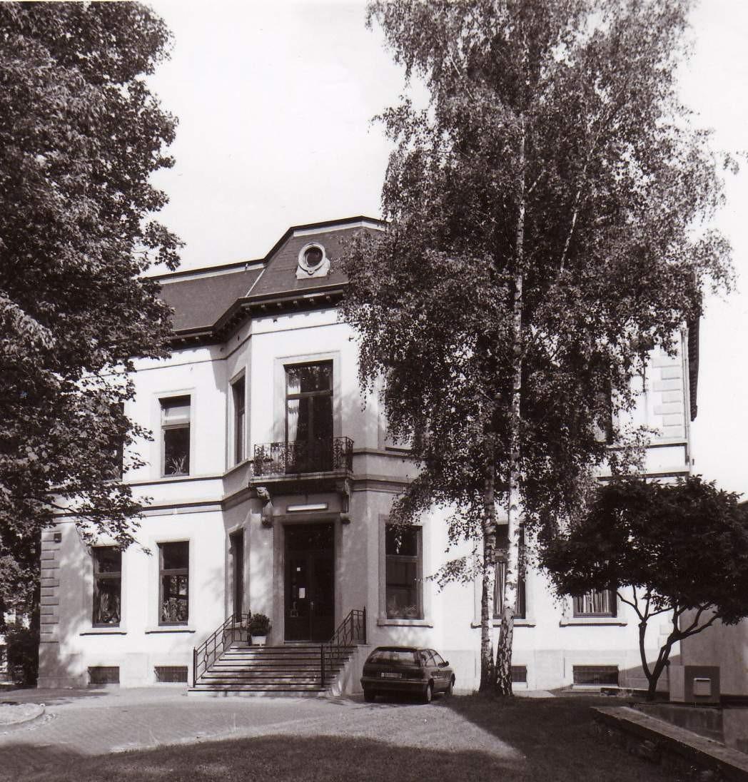 Edmond Mesenslaan 2, Koninklijk Atheneum Etterbeek, voormalig 'Pavillon de Linthout'., 1993