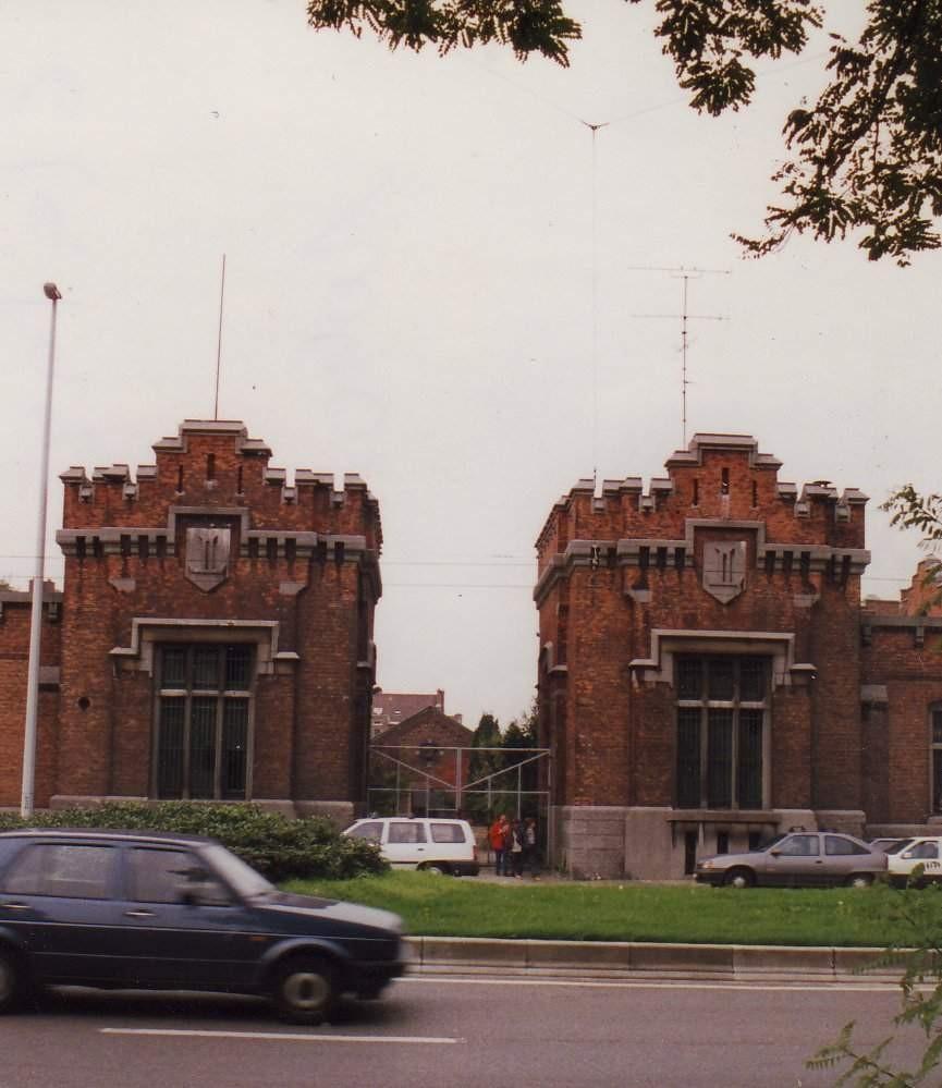 Boulevard Louis Schmidt 2. Anc. caserne d'artillerie Rolin., 1994