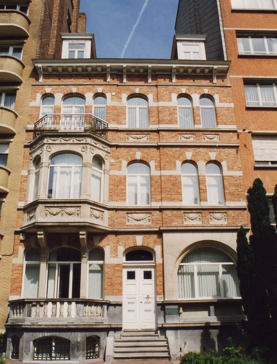 Boulevard Louis Schmidt 10., 1994