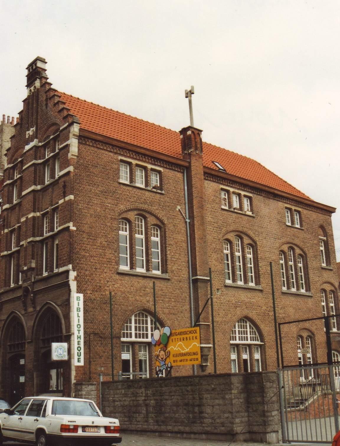 Ancienne École Saints-Georges-et-Joseph et institut Saint-Antoine., 1994