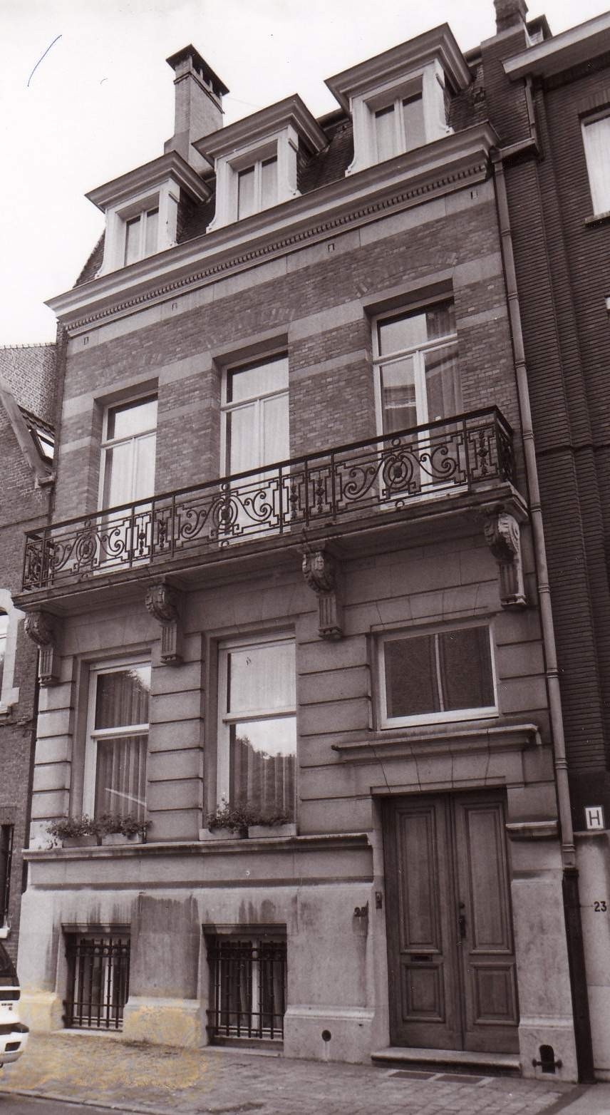 Rue Père Eudore Devroye 25., 1993