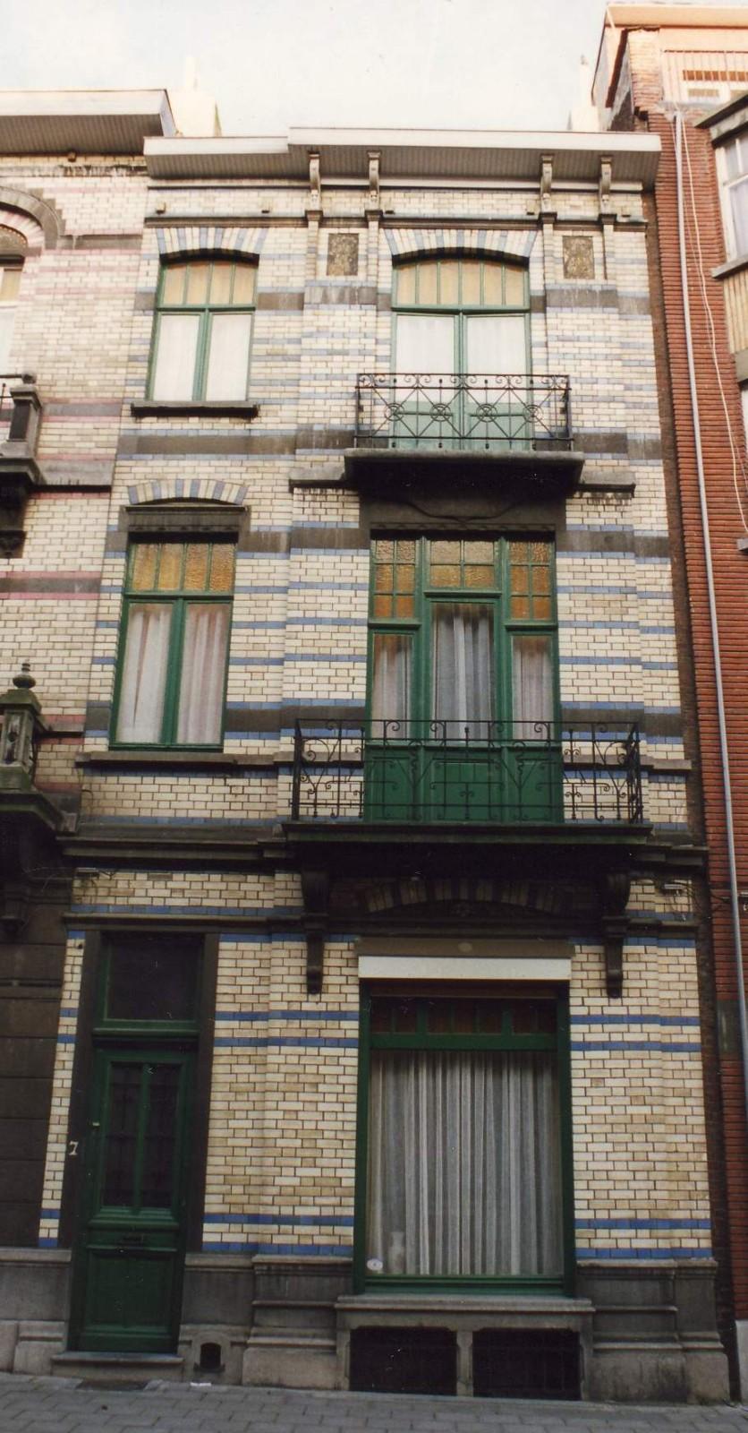 Rue Peter Benoit 7., 1993