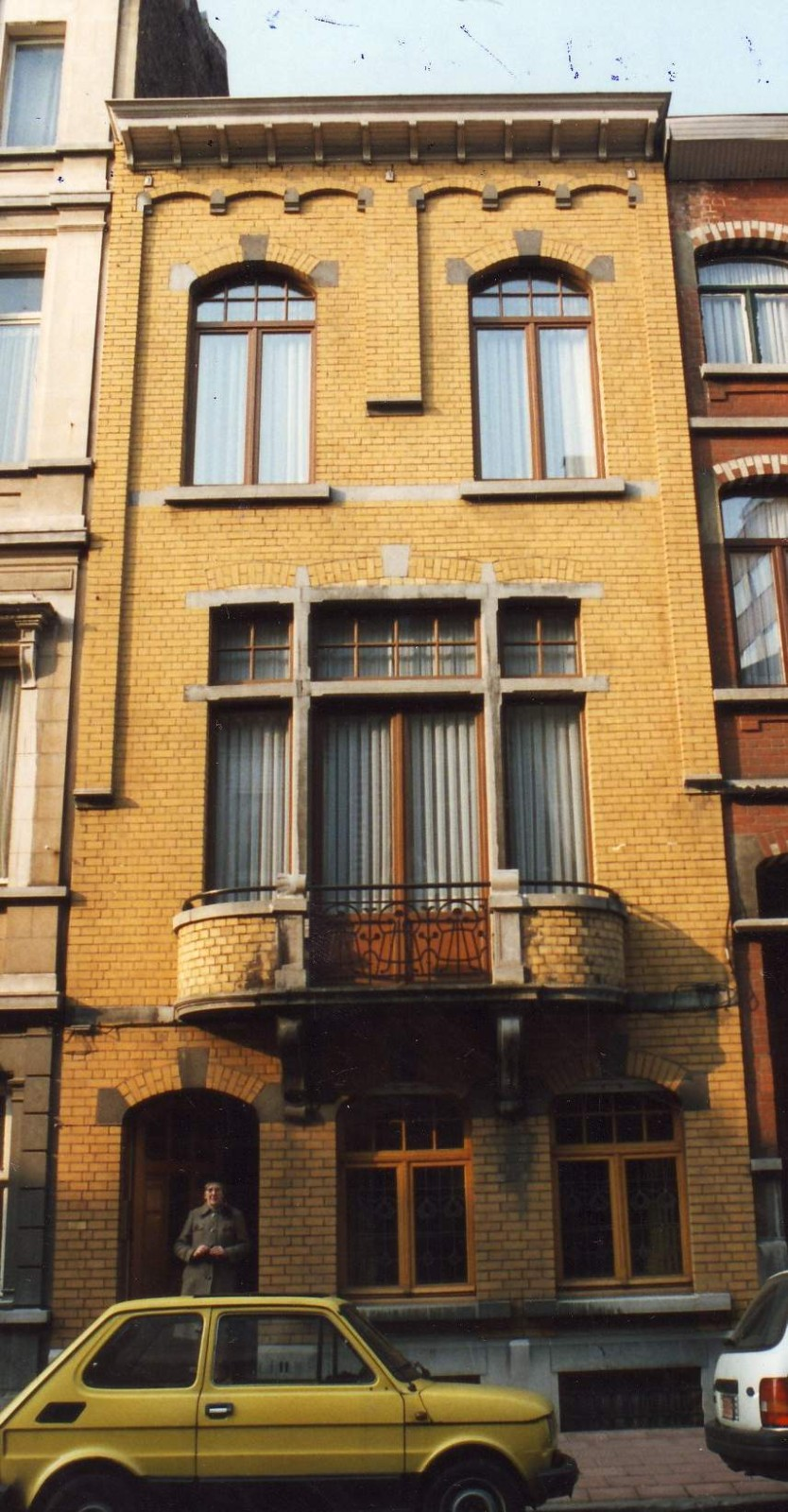 Rue Sneessens 11., 1994