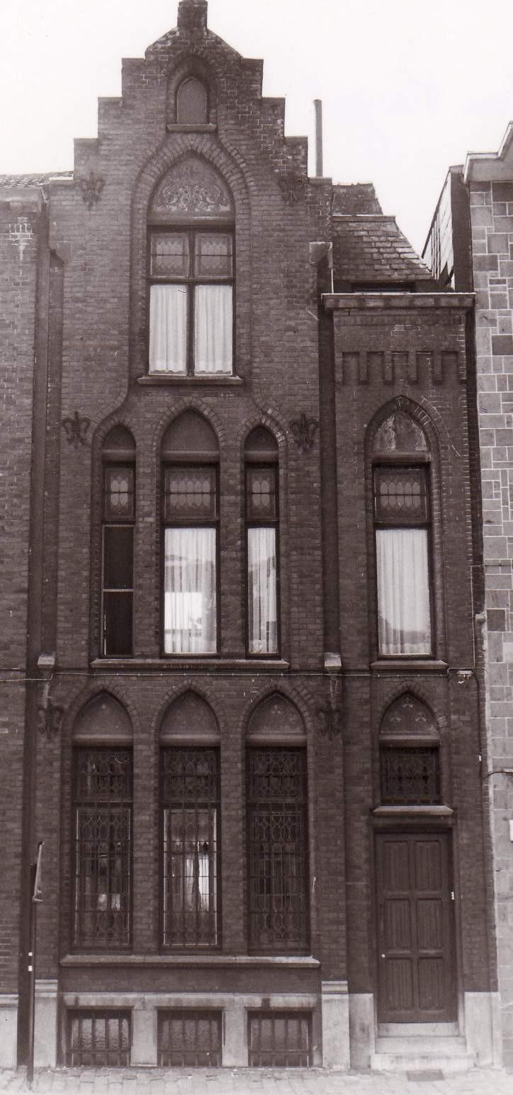 Place Van Meyel 24., 1994