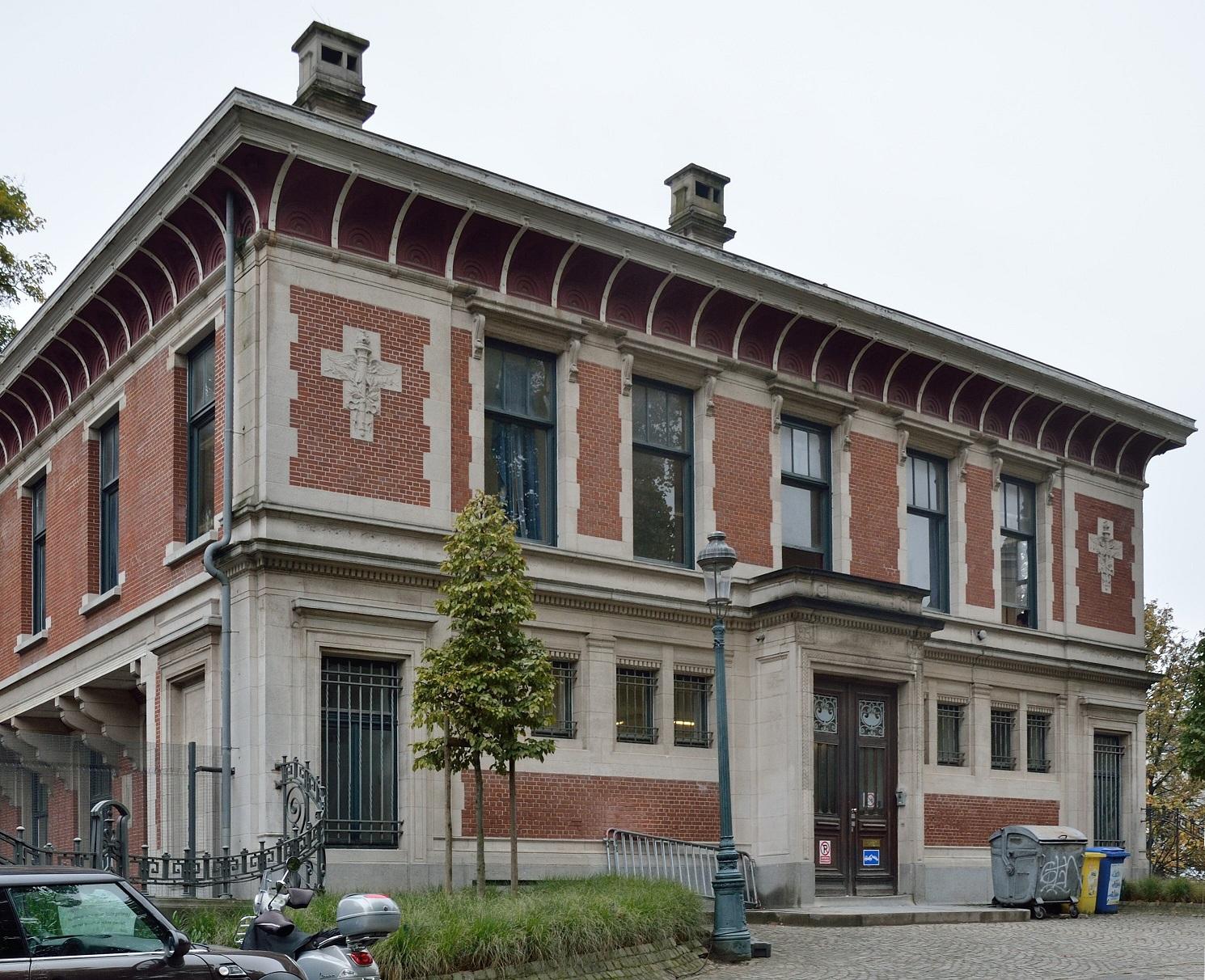 Parc Léopold, ancienne École de Commerce, façade avant, 2015