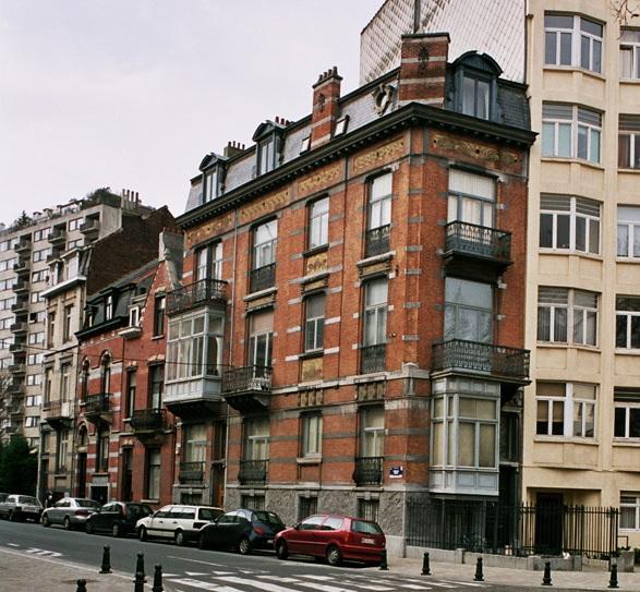 Place Leemans 1 et rue de Tenbosch 75., 2005