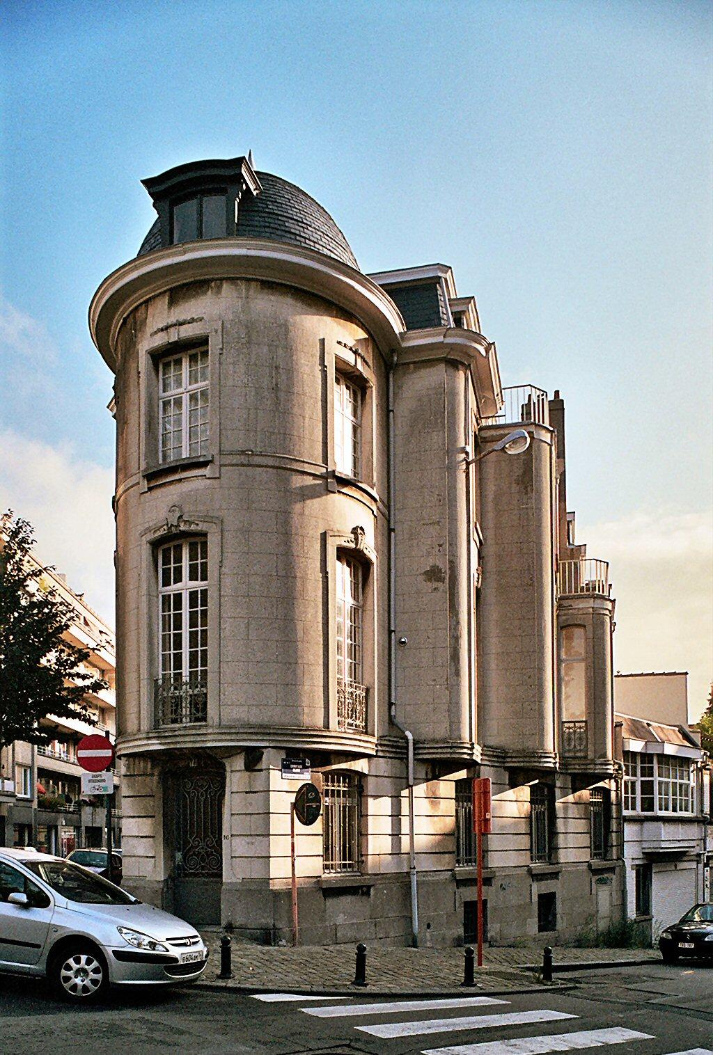 Rue de Hennin 16, vue de l'angle., 2009