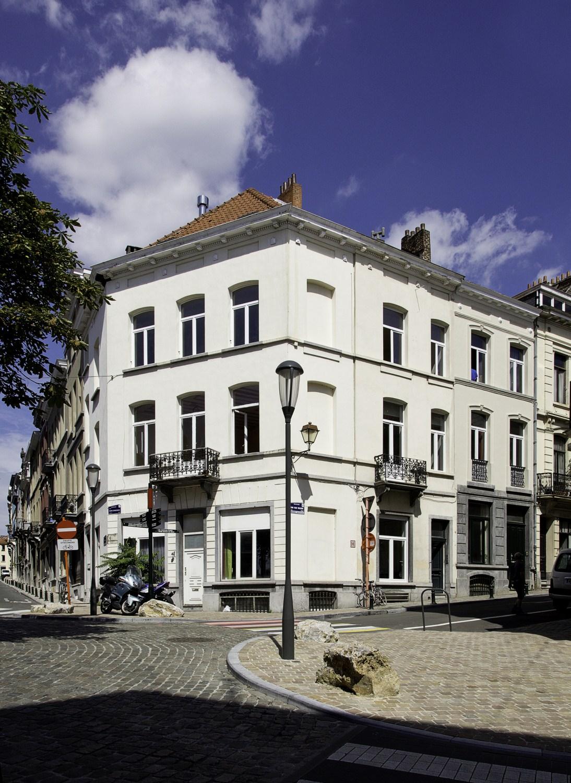 Place H. Conscience 5 – rues du Collège 132 et J. Van Volsem 44© (Françoise Waltéry © MRBC - MBHG), 2011