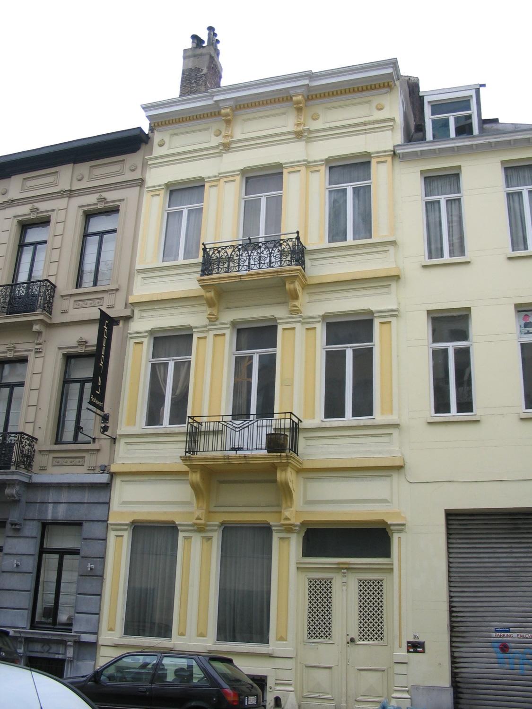 Rue de Livourne 85.