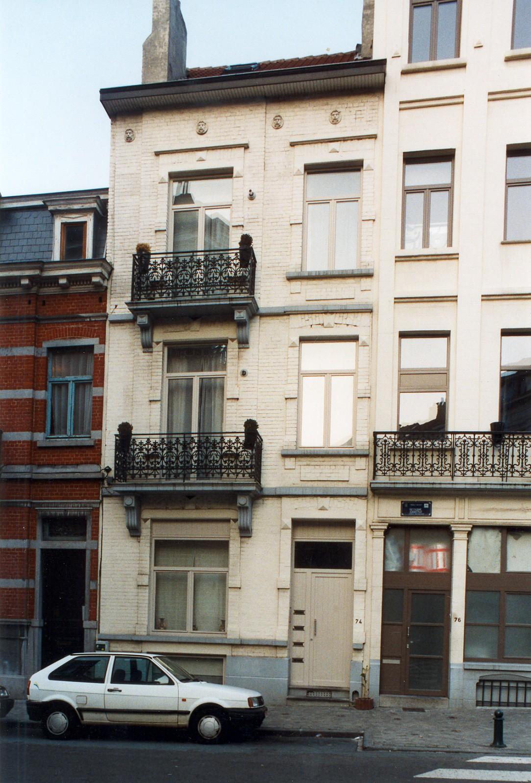 Rue d\'Albanie 74., 2003