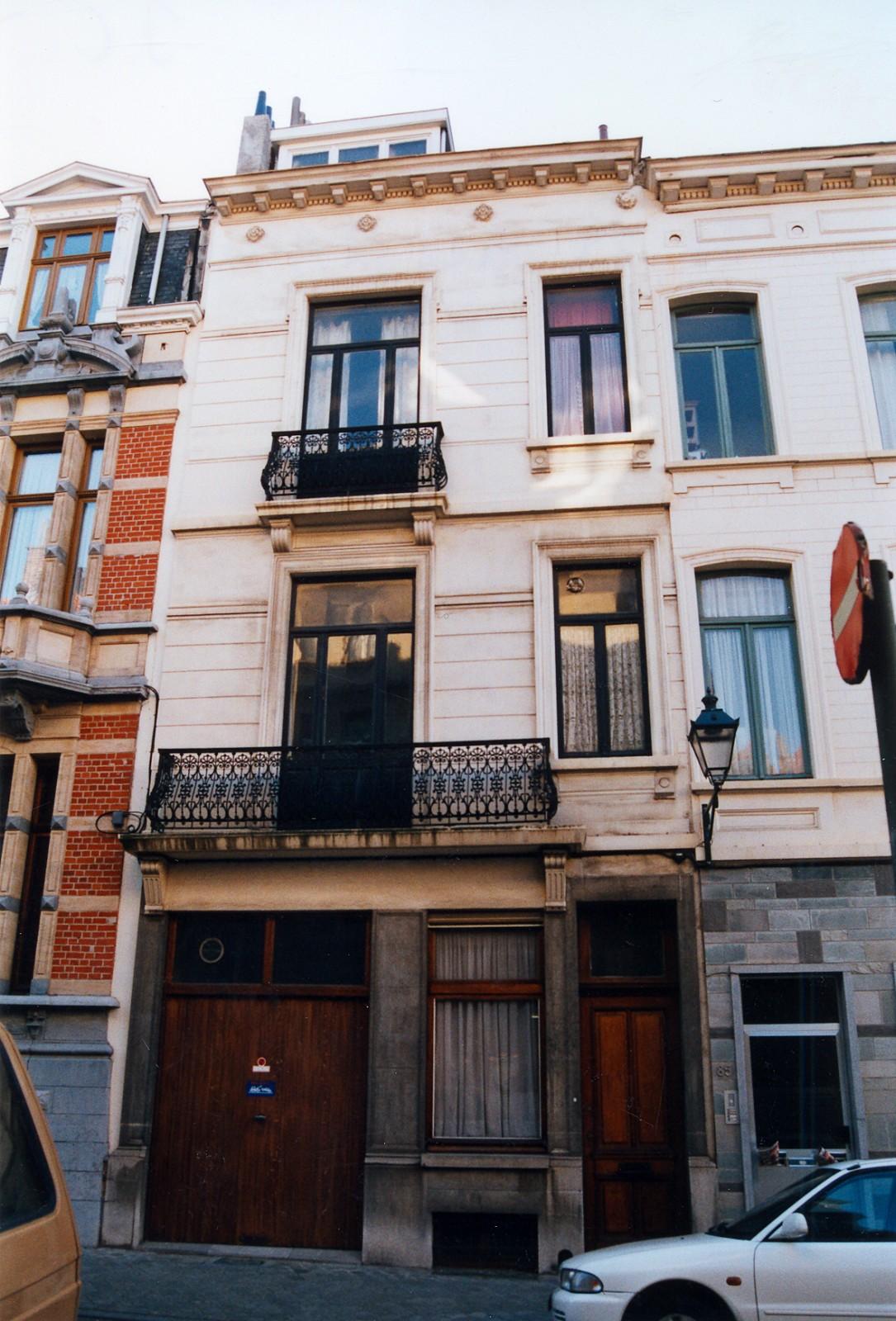Rue d'Albanie 87-89., 2002