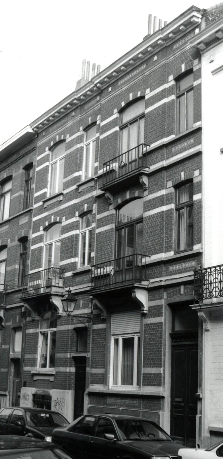 Rue d\'Albanie 92, 94., 2002