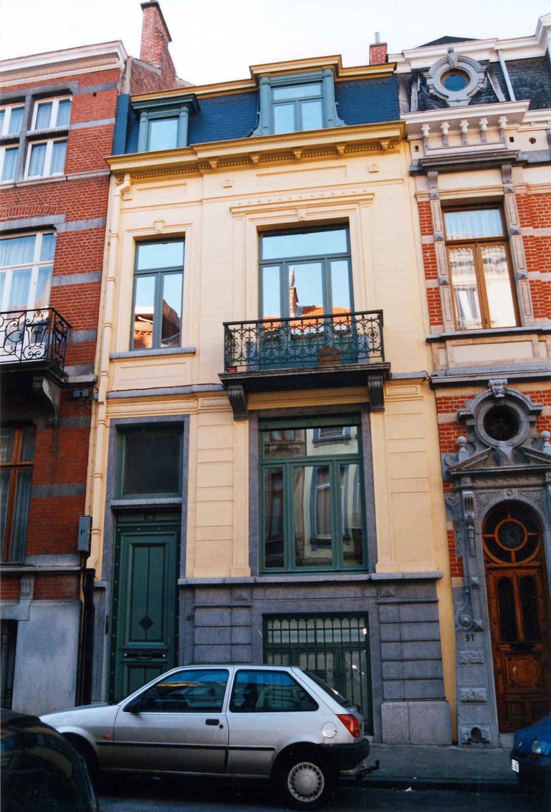 Rue d\'Albanie 93., 2002