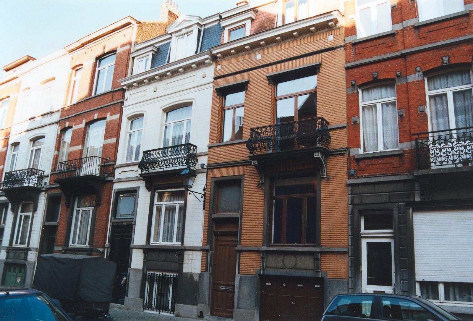 Rue d\'Albanie 110., 2002