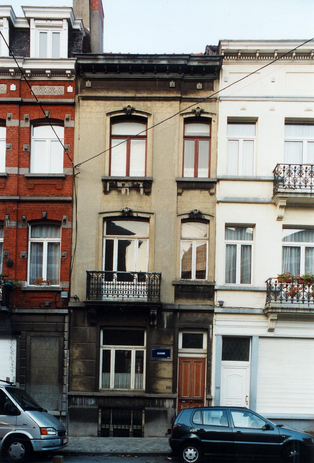 Rue d\'Albanie 118., 2003