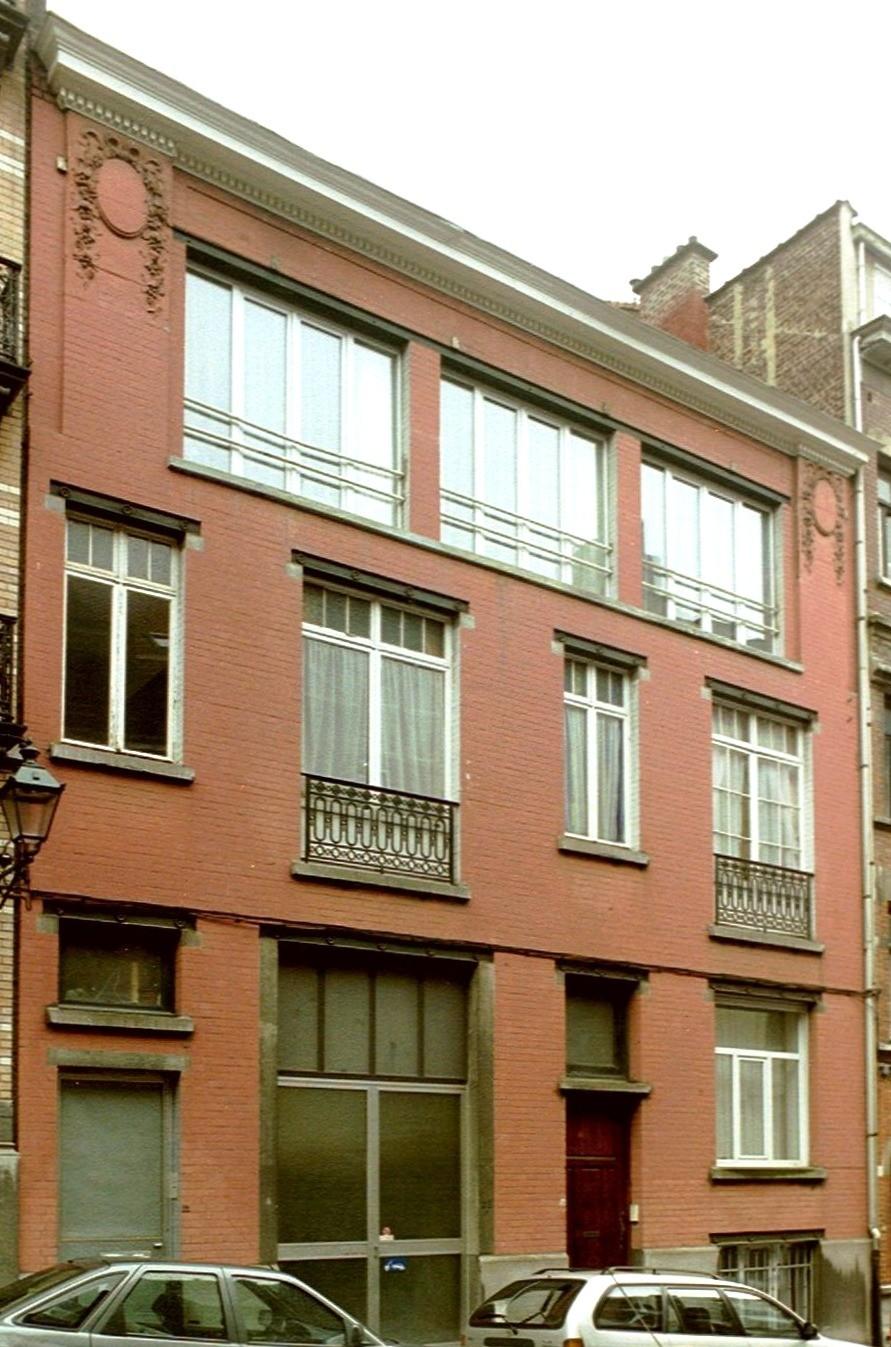 Rue Alfred Cluysenaer 22-22a-24., 2004