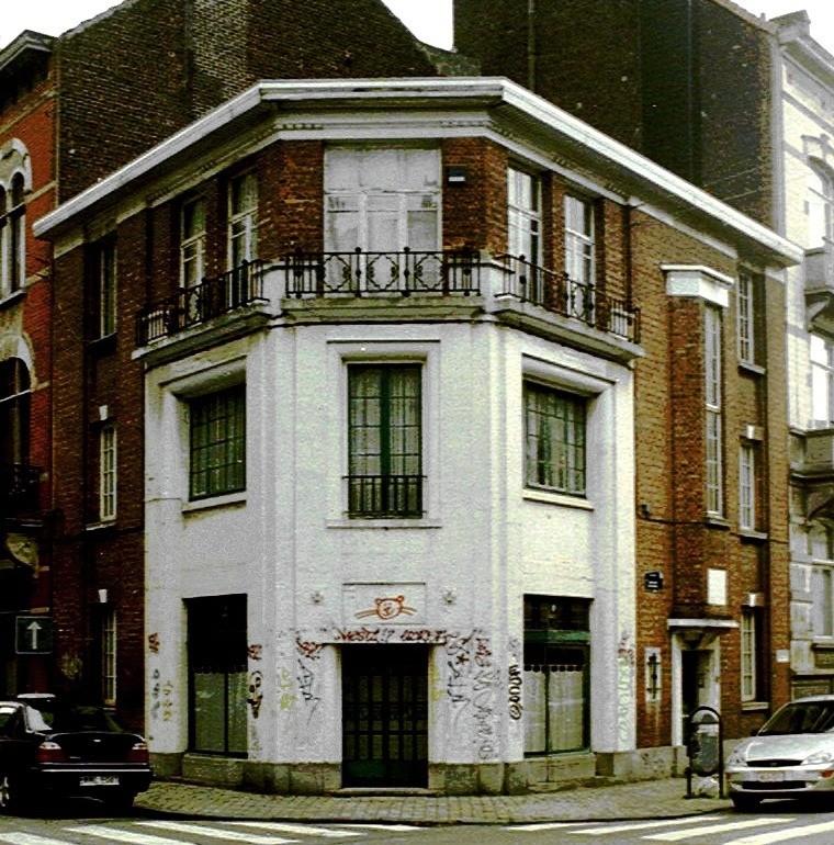 Rue Américaine 42., 2003