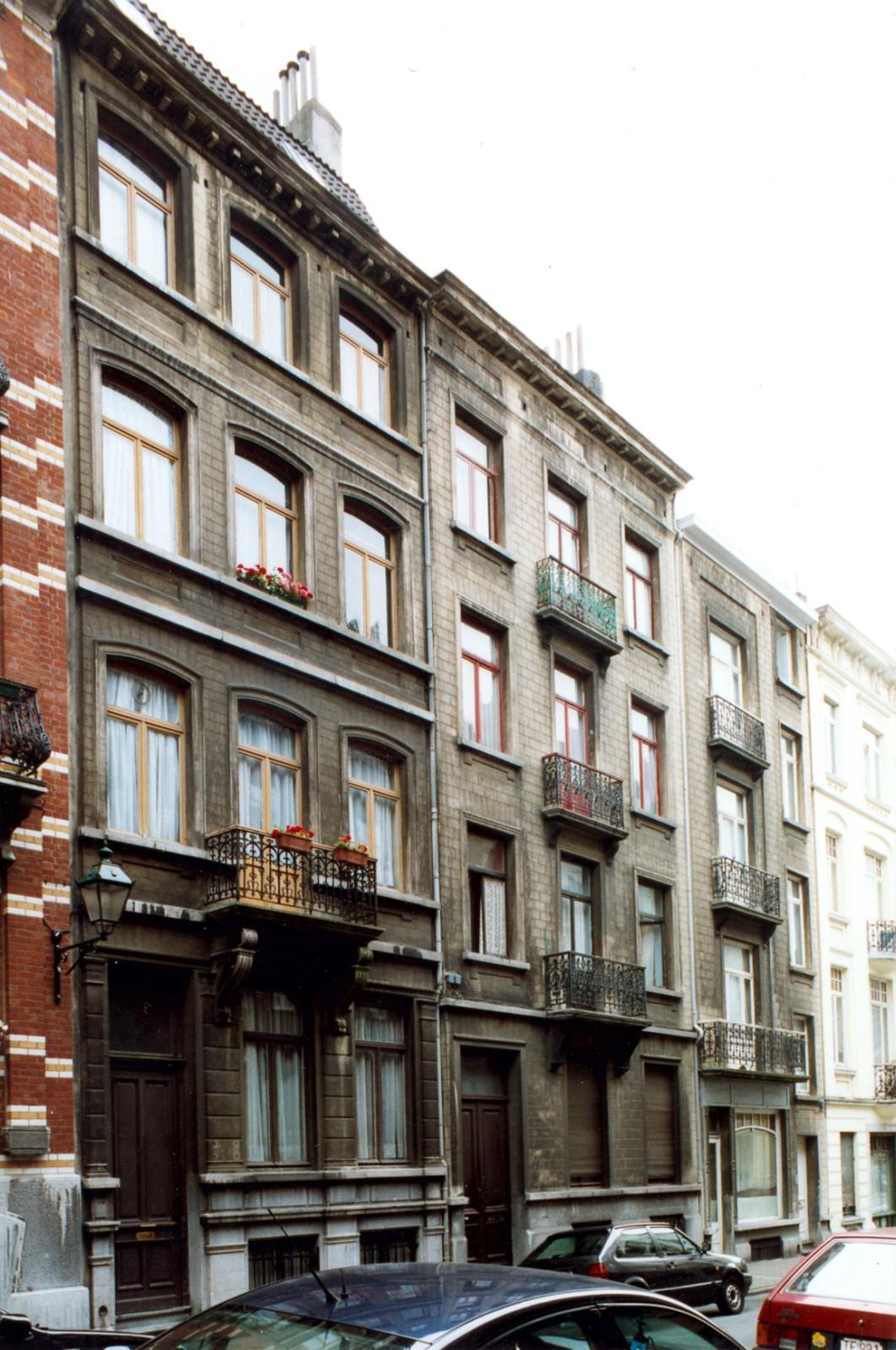 Rue André Hennebicq 13, 11 et 9-9a., 2004