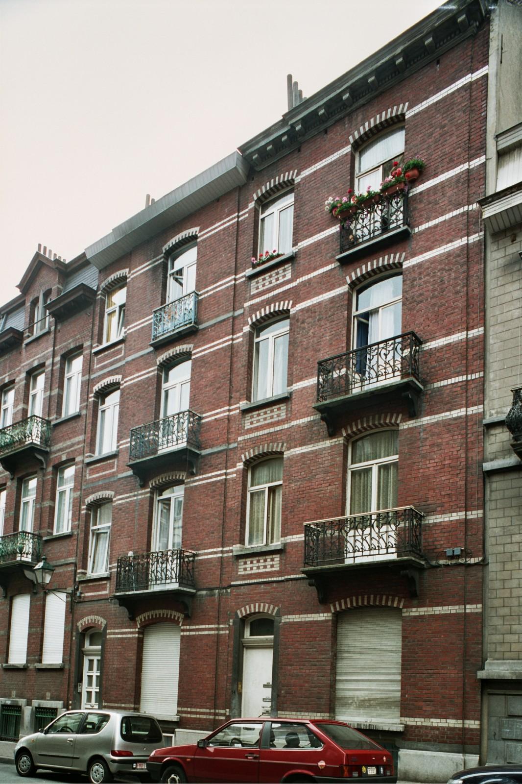 Rue André Hennebicq 12 et 14., 2004