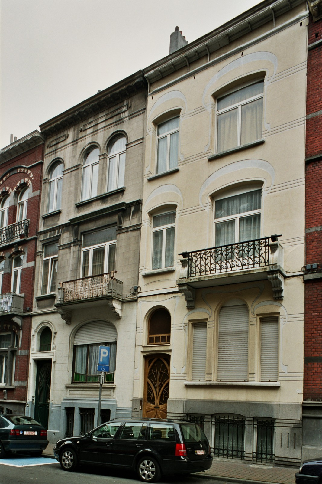 Rue André Hennebicq 30 et 32., 2004