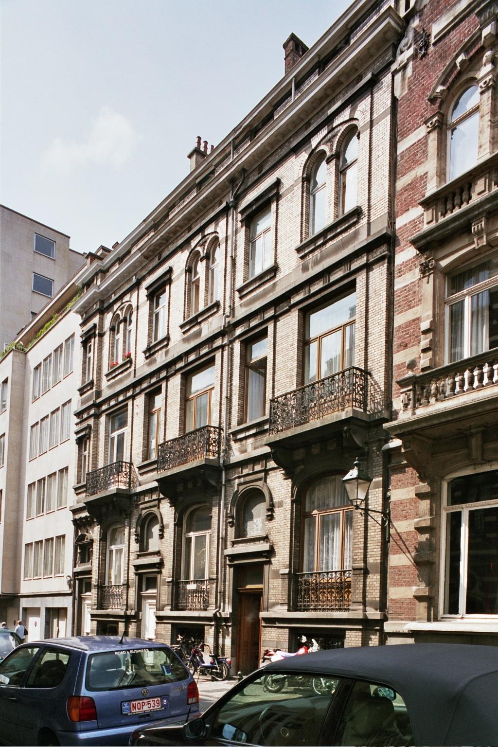 Rue Bosquet 73, 71 et 69., 2004
