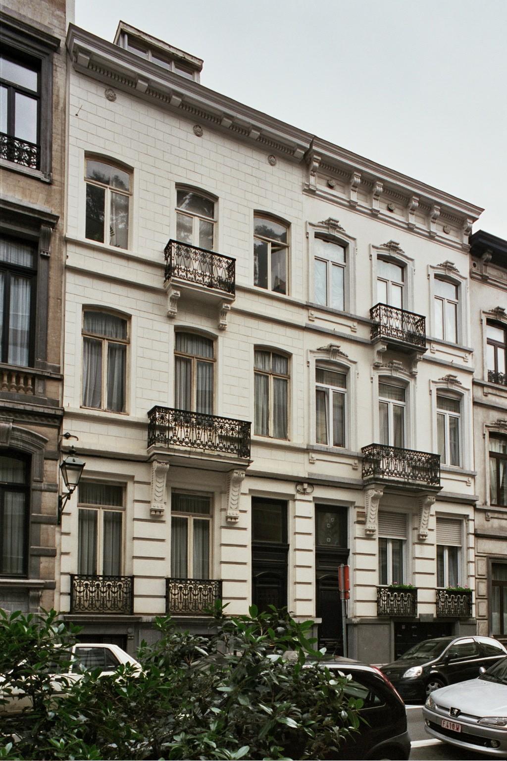 Rue Capouillet 14 et 16., 2004