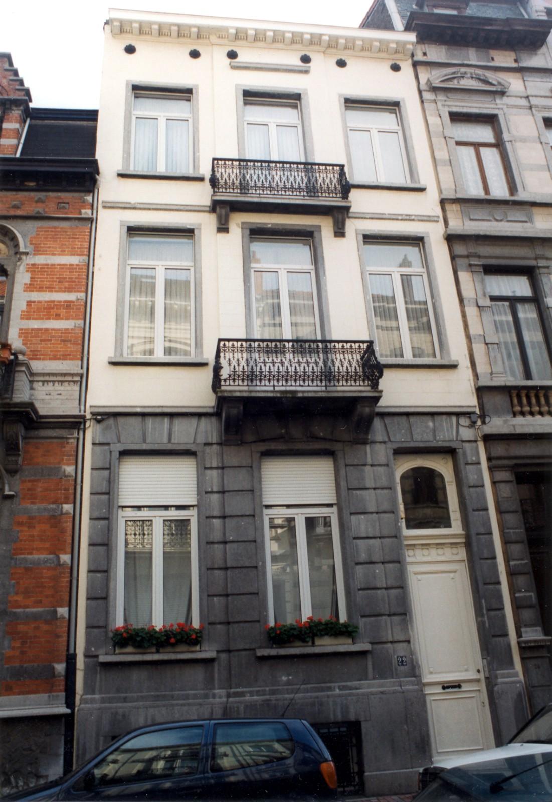 Rue Capouillet 22., 1999