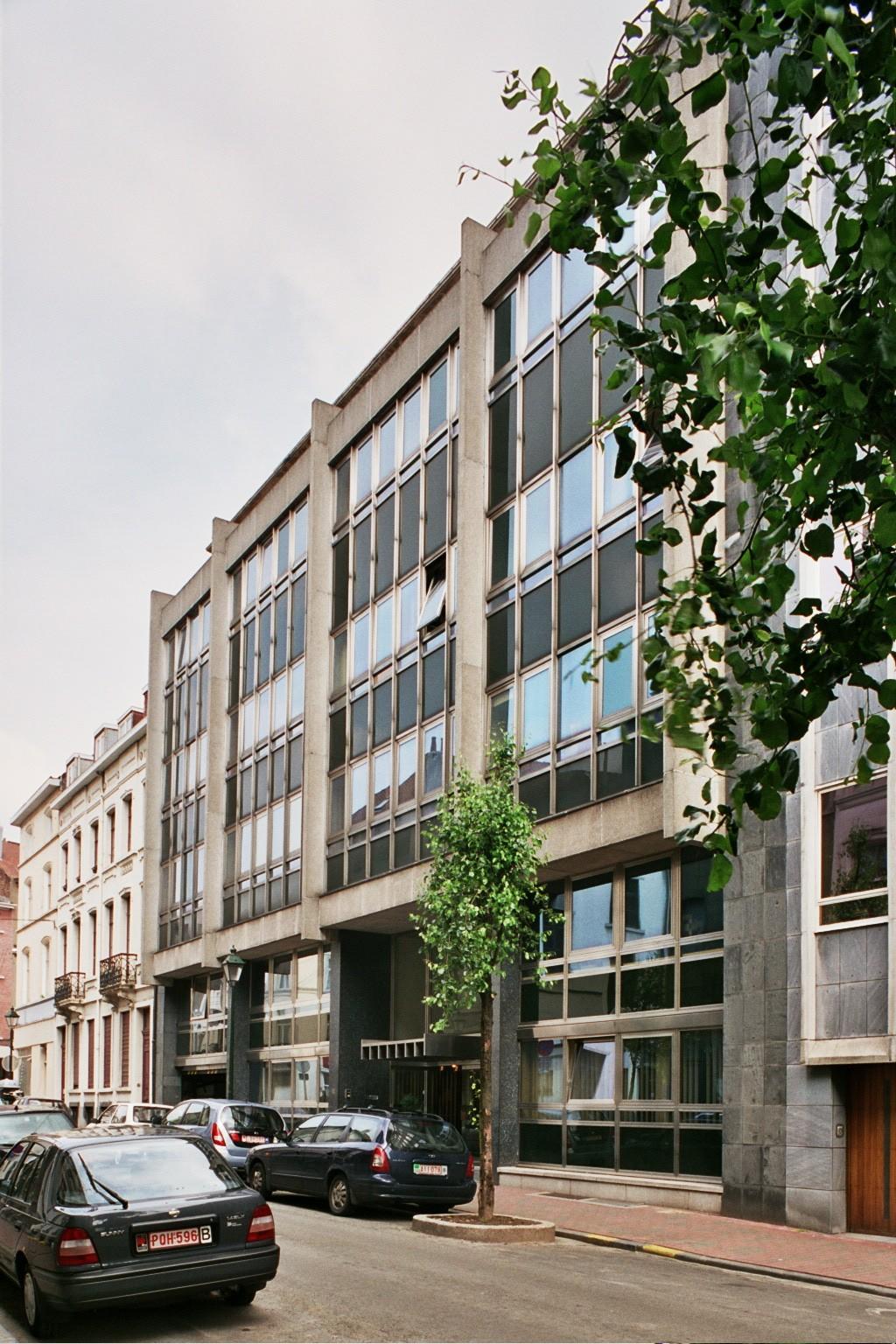 Rue Capouillet 50., 2004