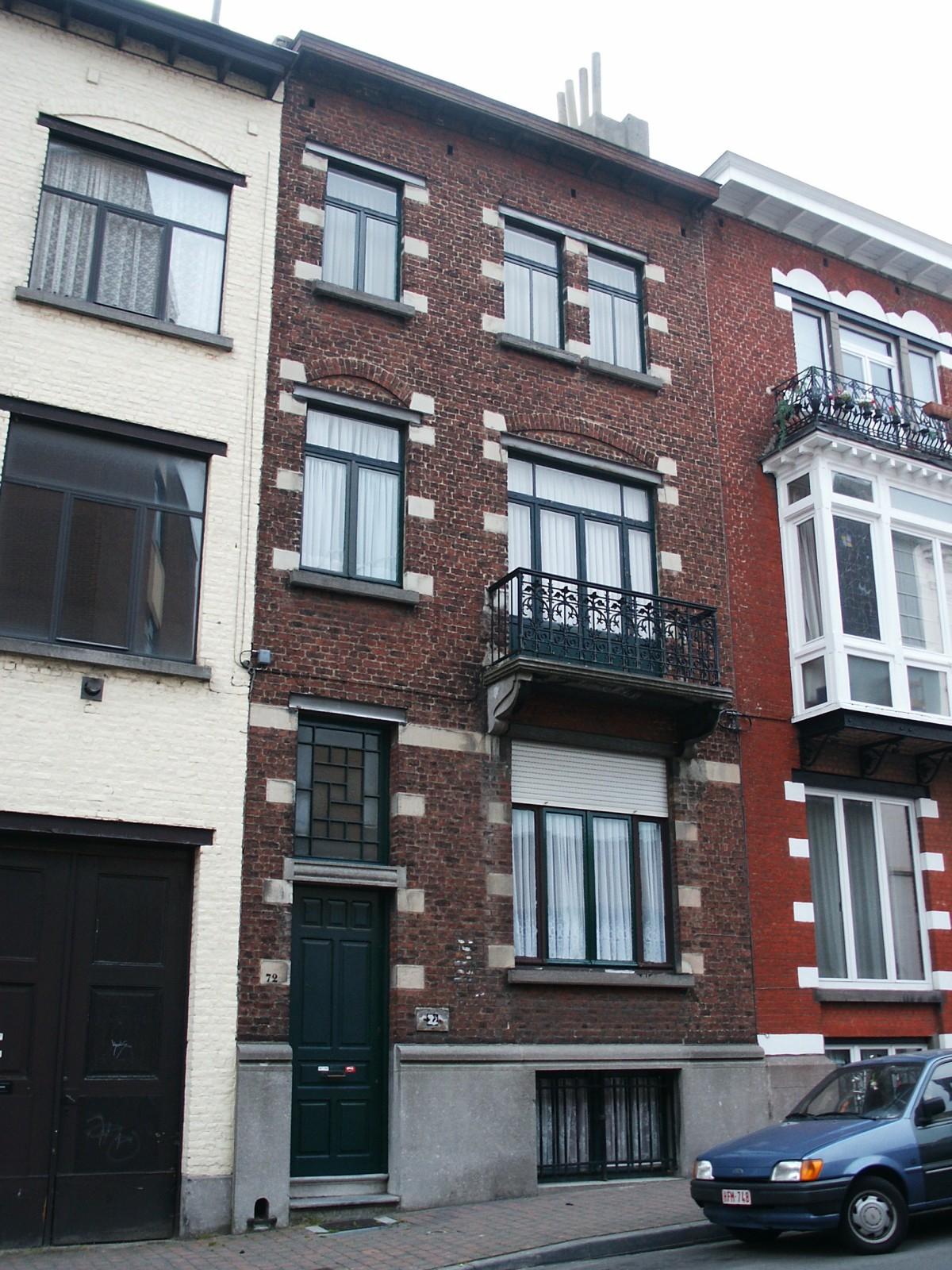 Rue de la Croix de Pierre 72., 2004
