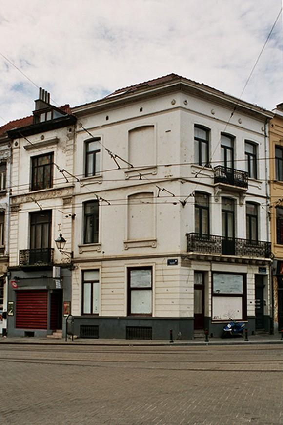 Rue de l\'Aqueduc 1 et rue Defacqz 156., 2004