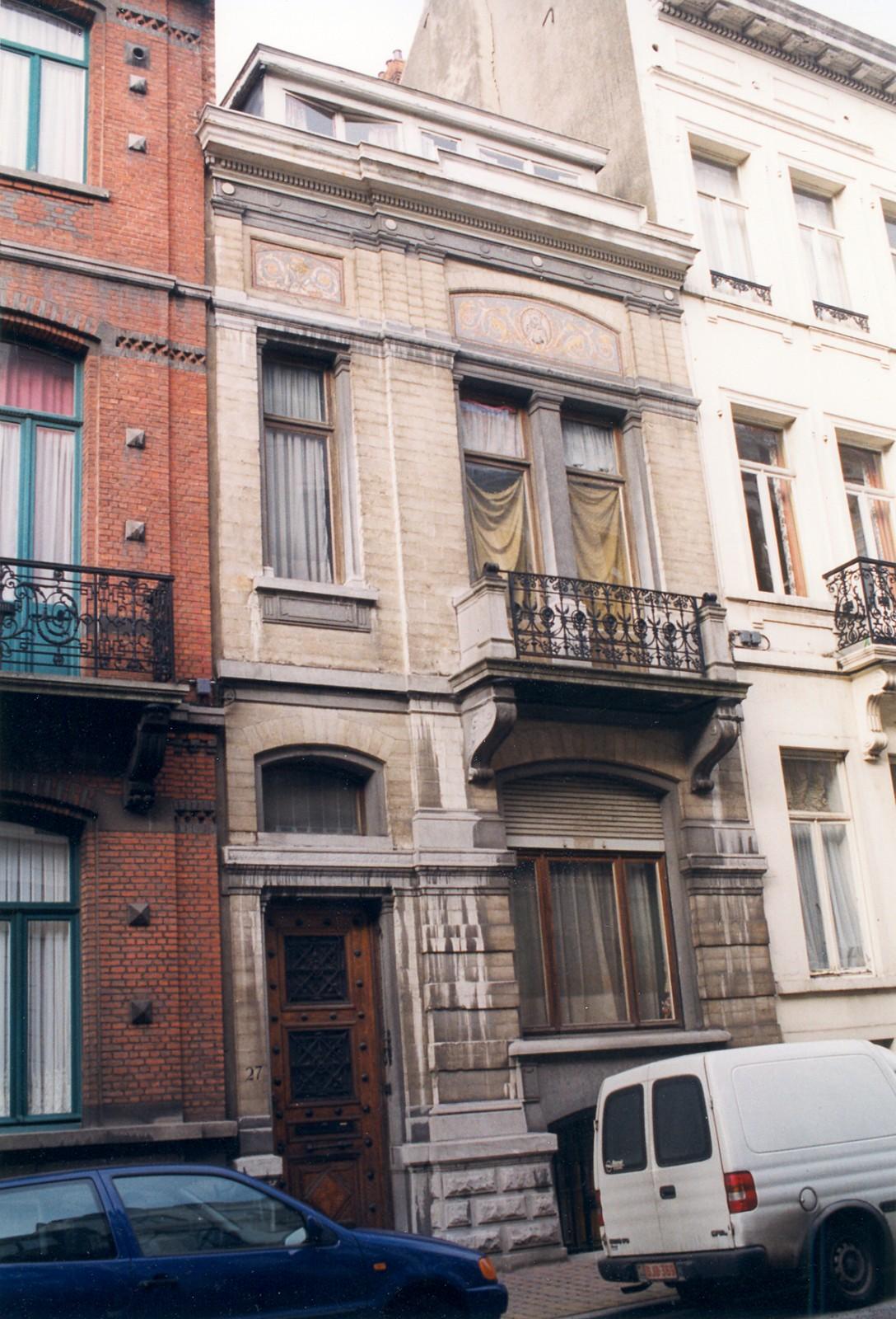 Rue d'Écosse 27., 1999