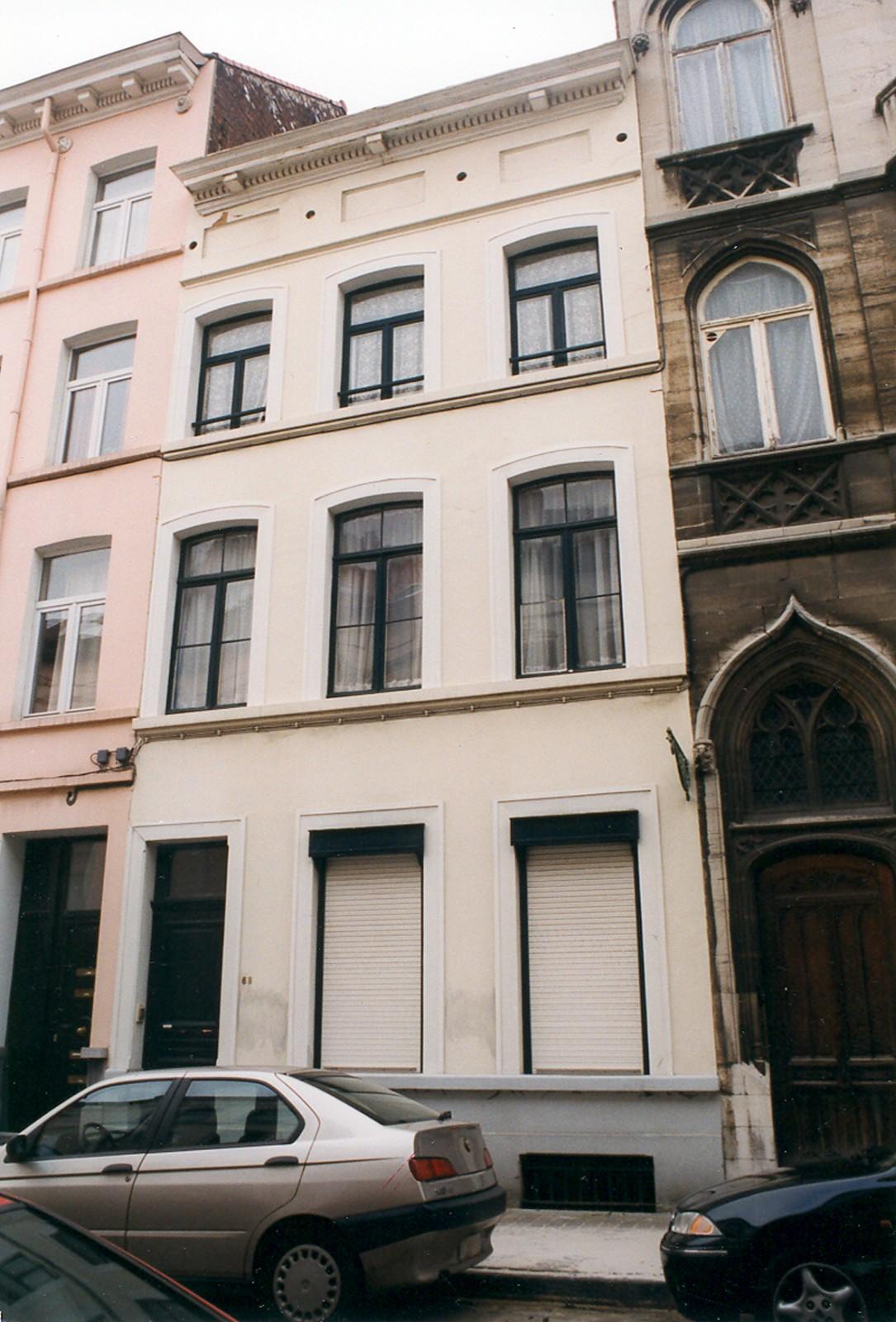 Rue d\'Écosse 68., 1999