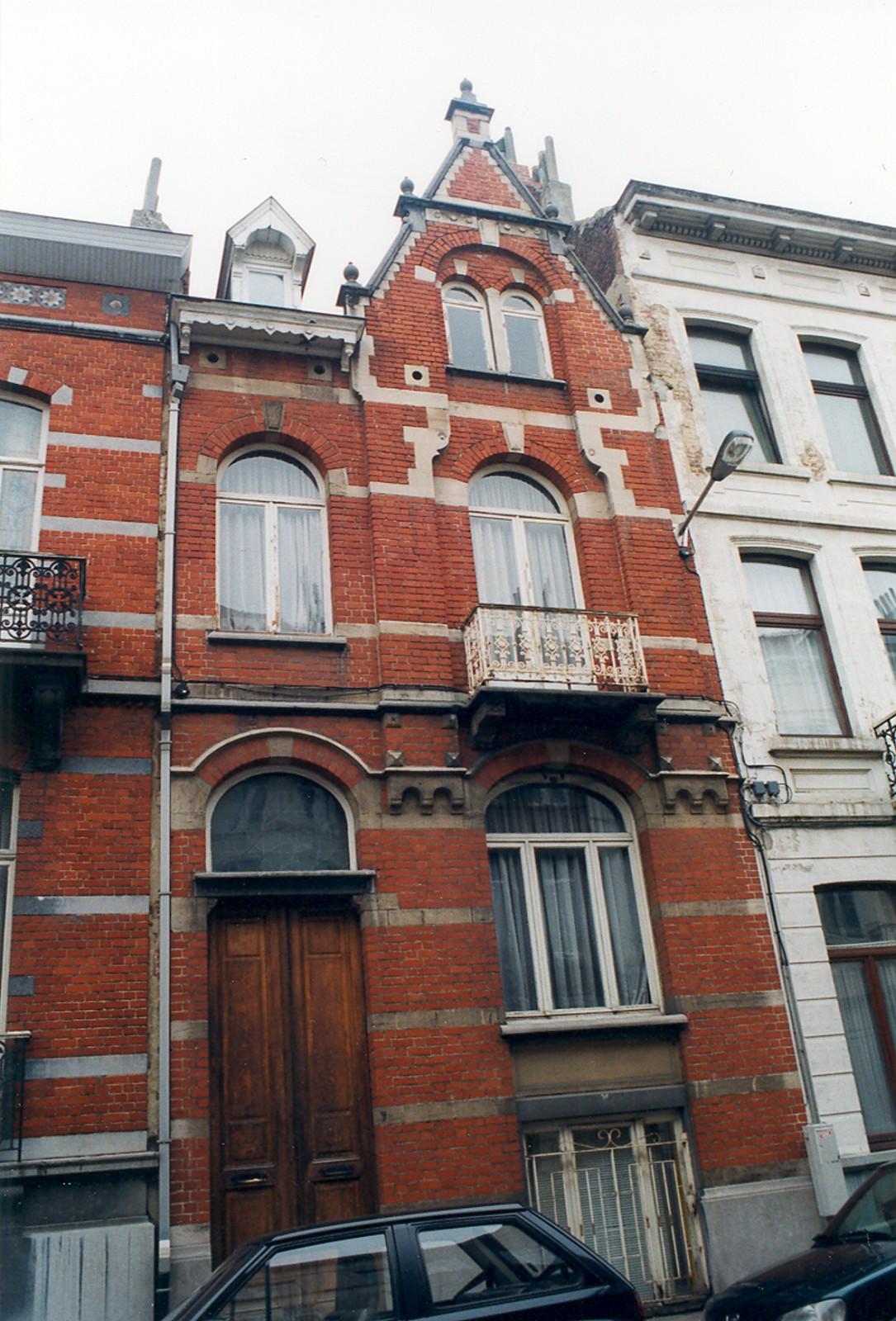 Rue d'Écosse 78., 1999