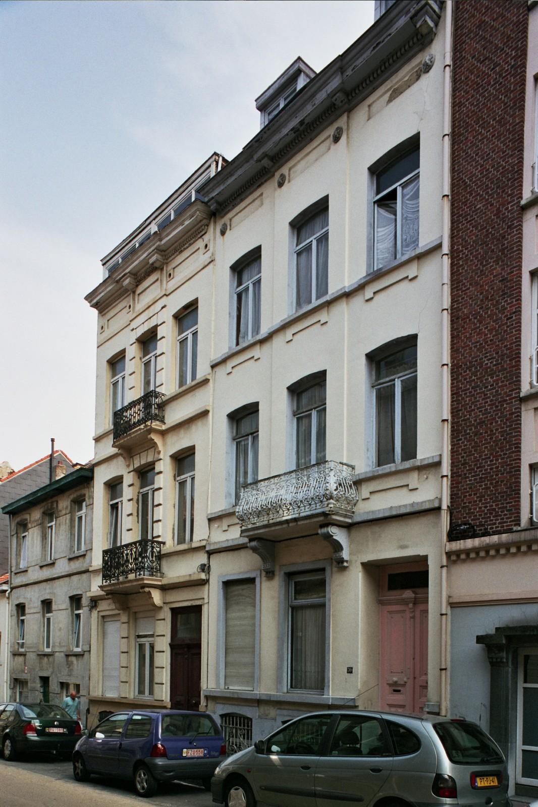 Rue de l\'Eglise Saint-Gilles 28 et 30., 2004