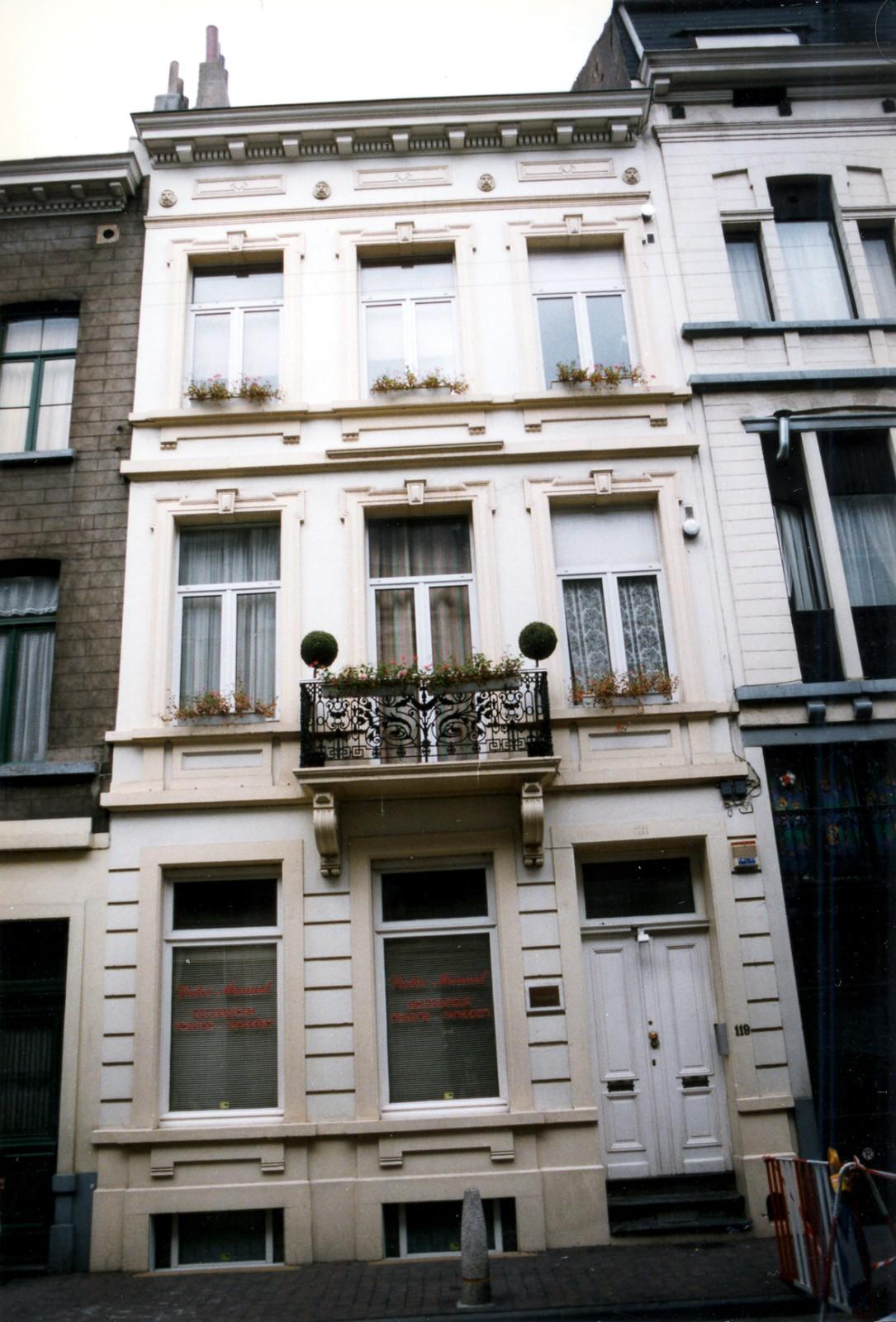Rue Émile Féron 119., 1997