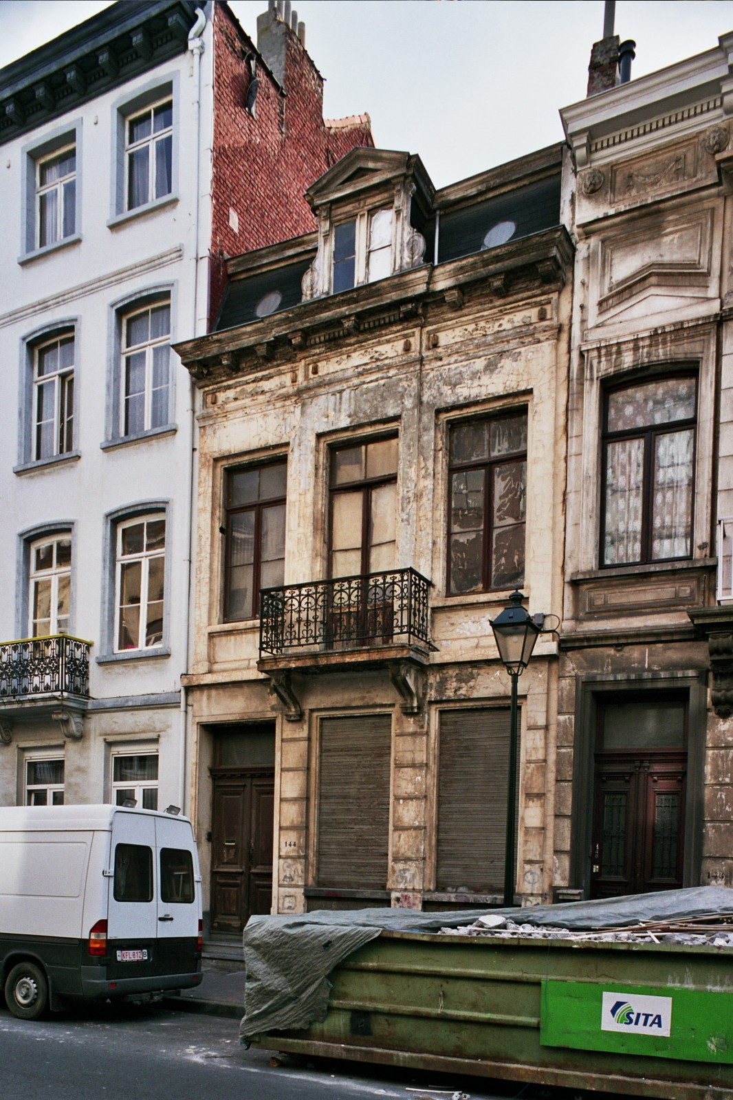 Rue Émile Féron 144., 2004