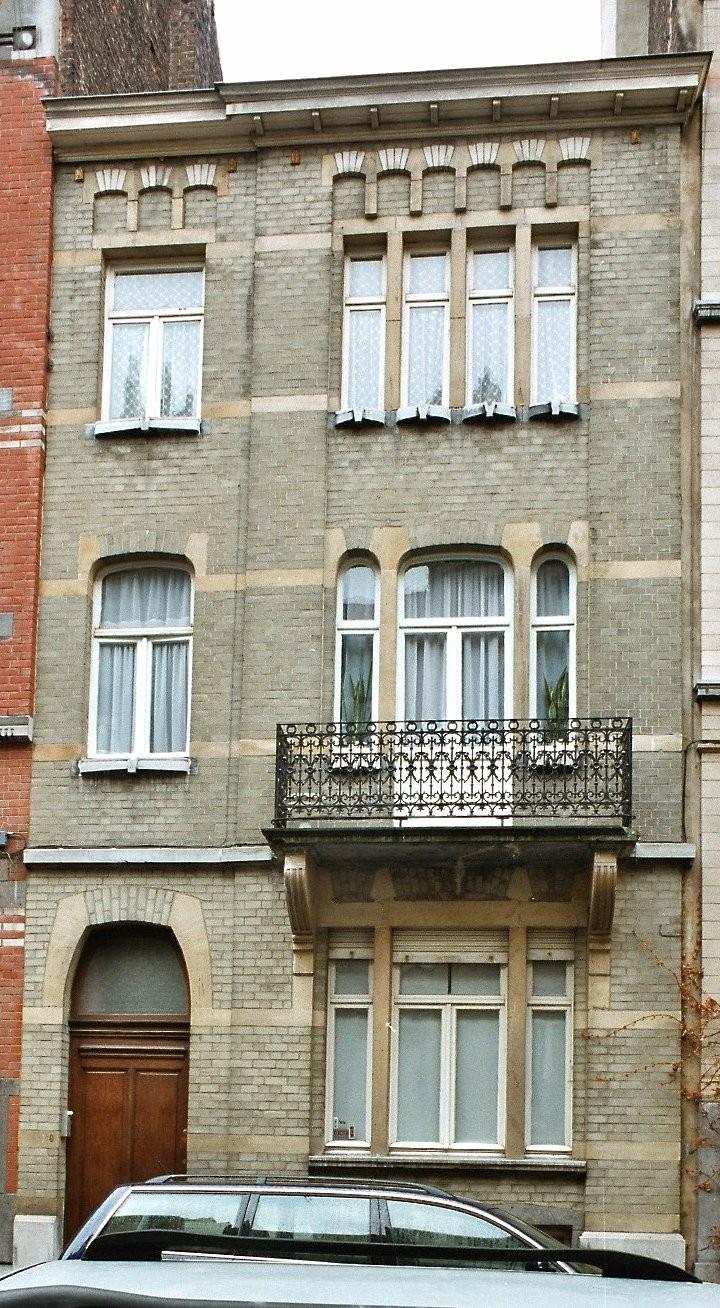 Rue Félix Delhasse 9., 2003