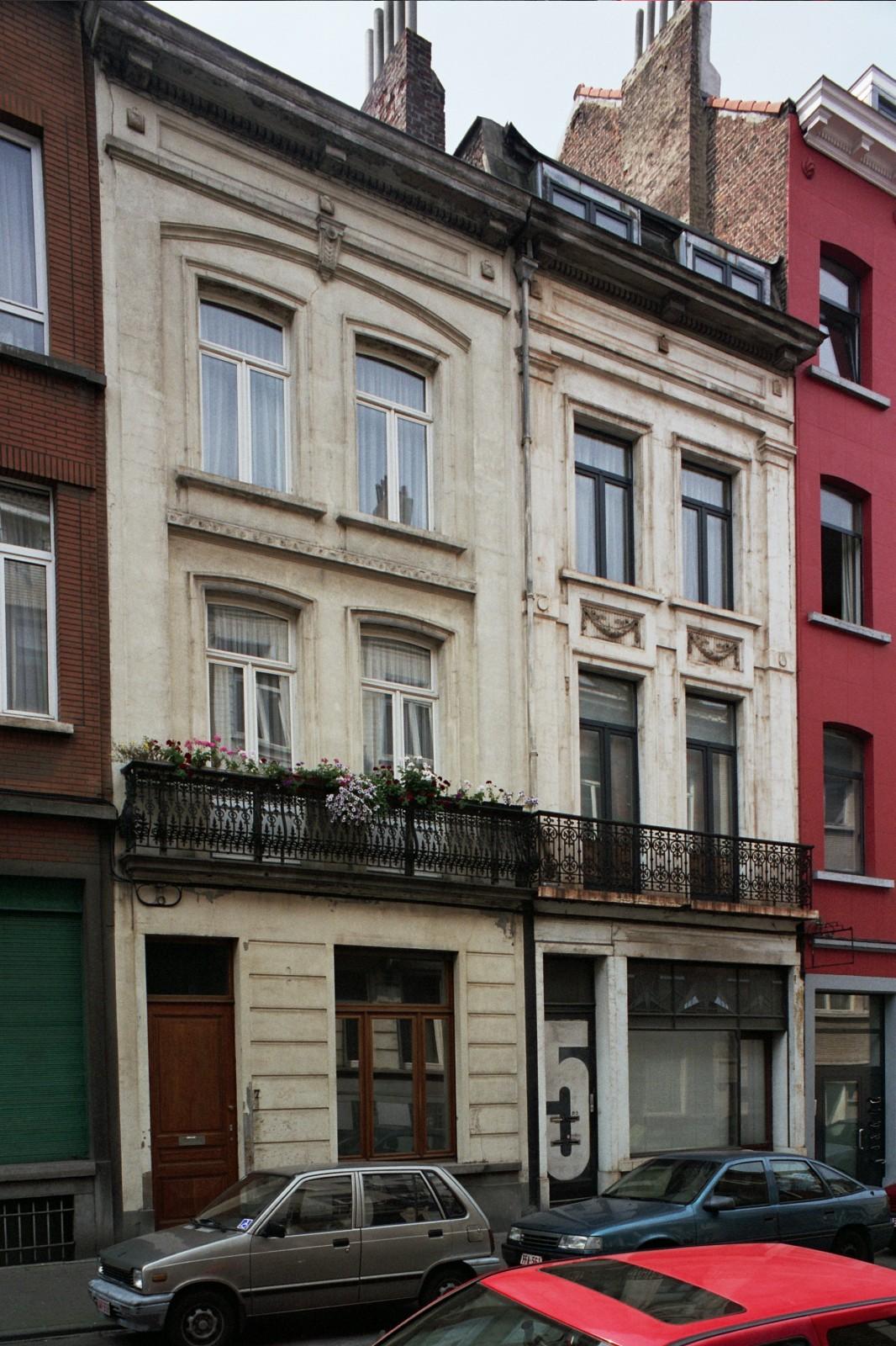 Rue de la Filature 7 et 5., 2004
