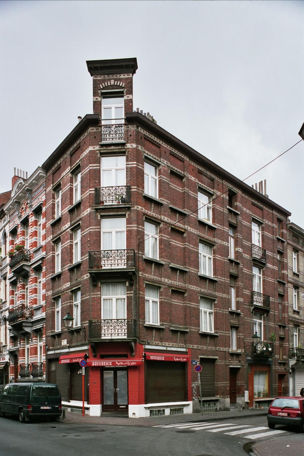 Chaussée de Forest 89 et rue Coenraets 87, 85., 2004
