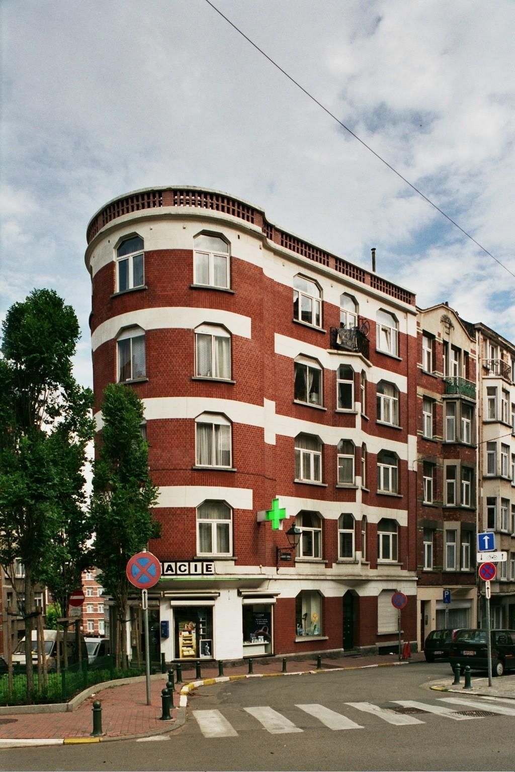 Rue Gisbert Combaz 31., 2004